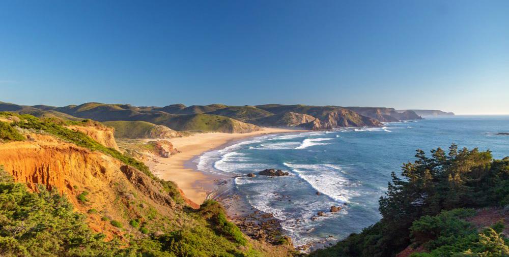 Algarve Where to Surf - Amado Beach